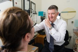 Focus Optometrists Sherwood QLD Simon Hurwood eye tests