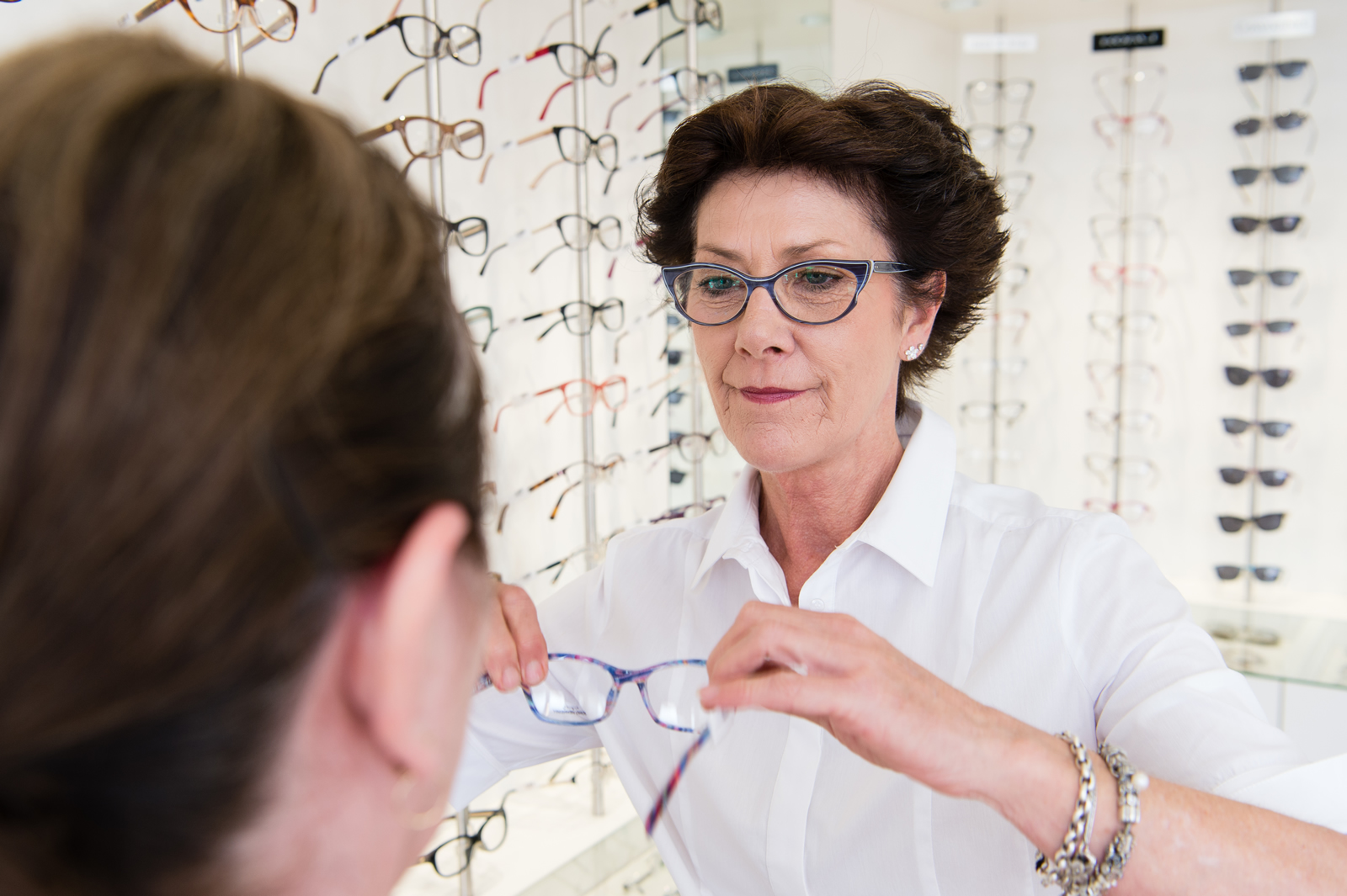 Focus Optometrists Sherwood QLD fitting glasses